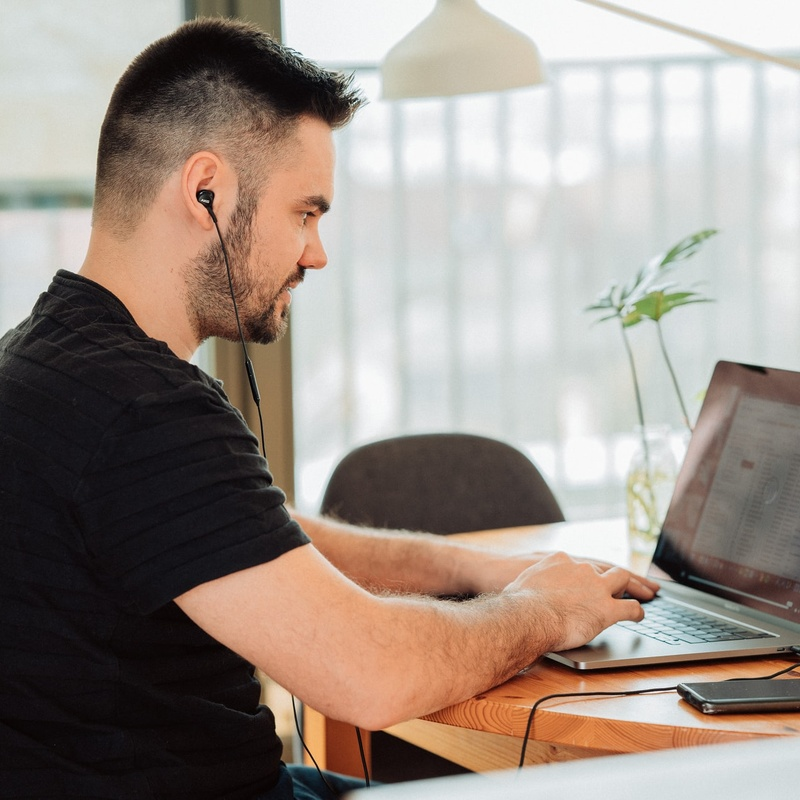 Bettering Your Business Long-Term — 5 Pros of Nearshore Outsourcing