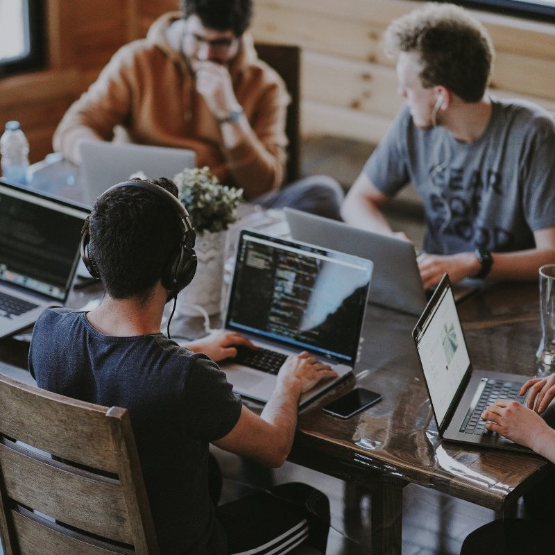 How to Choose the Right Software Company